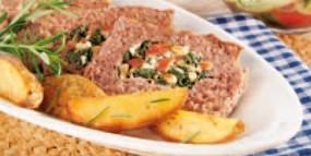 Griechischer Lammhackbraten mit Spinat und Schafskäse