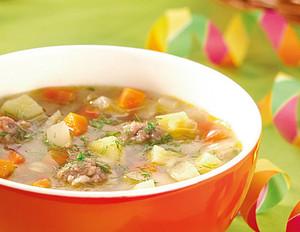 Mettklößchen-Suppe mit würzigem Fenchel