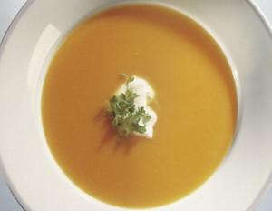 Möhren-Orangensuppe mit Ingwer