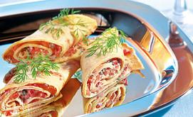 Lachs-Pfannkuchen-Röllchen