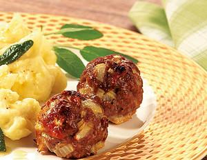 Kartoffelpüree mit Salbeibutter und italienischen Hackbällchen