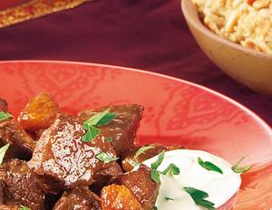 Kalbscurry mit Aprikosen und Pinienkernen-Couscous
