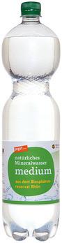 natürliches Mineralwasser medium