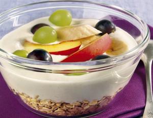 Weintrauben-Müsli mit Joghurt