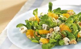 Roquefort zu Feldsalat mit fruchtigem Dressing