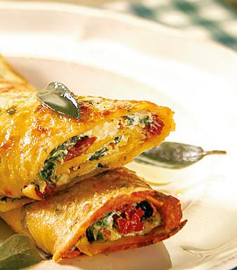 Gefüllte Kräuter-Pfannkuchen mit Spinat, Ricotta und Salbeibutter