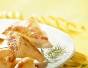 Blätterteigtäschchen mit Lachs