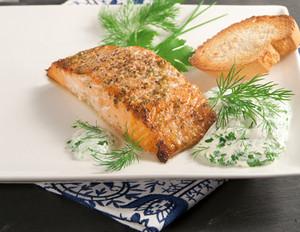Meerrettich-Dillsauce zu würzigem Lachs vom Grill