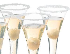 Litschi-Champagner-Cocktail