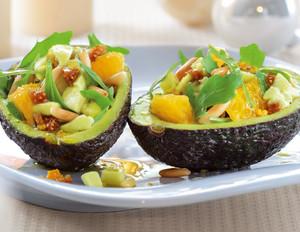 Gefüllte Avocados mit Rucola und Feigen