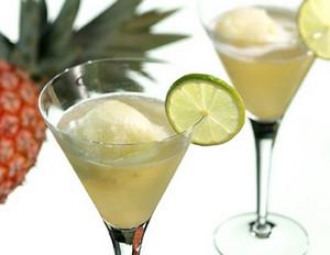 Ananas-Limetten-Sorbet mit Prosecco