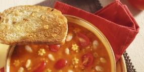 Tomaten-Bohnen-Suppe mit geröstetem Knoblauchbrot
