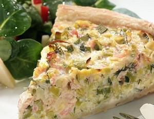 Lauch-Lachs-Quiche mit Feldsalat