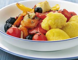 Gegrilltes Gemüse mit Polentakroketten