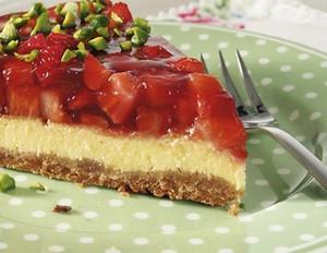 Cheesecake mit Erdbeeren und Limette