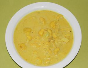 Kokos-Blumenkohl-Suppe mit Curry