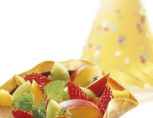 Knusperförmchen mit Fruchtsalat