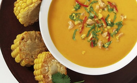 Kürbis-Erdnuss-Suppe mit Koriander