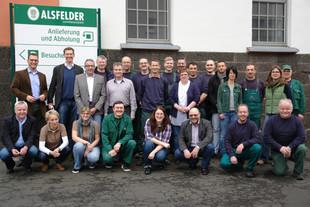 Teamfoto mit den Mitarbeitern der Alsfelder Landbrauerei