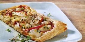 Zwiebel-Apfel-Kuchen mit Roquefort