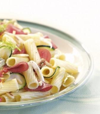 Nudelsalat mit Salami