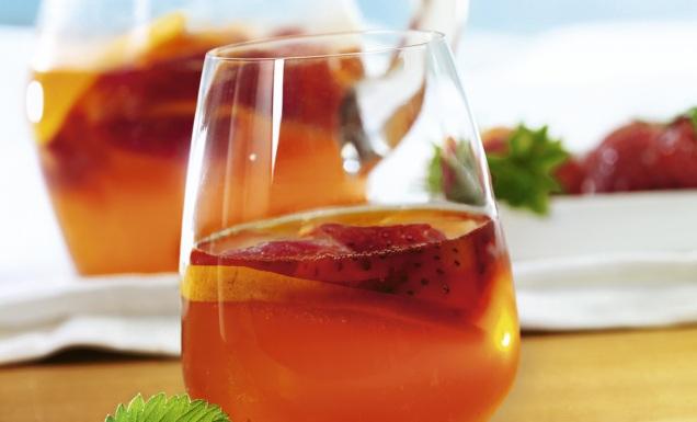 Erdbeer- Aperol-Bowle