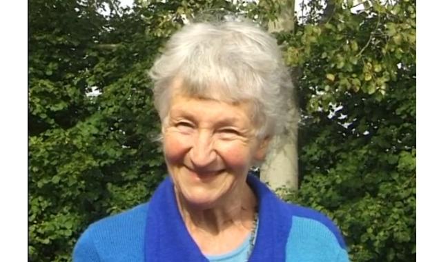 Frau Teichert, Inhaberin eines tegut Saisongarten