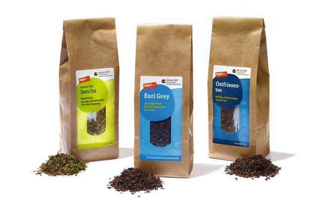 Drei lose Teesorten: Ostfriesentee, Earl Grey, Sencha