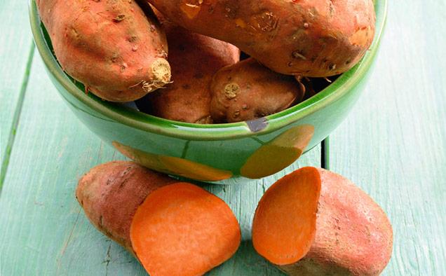 Süßkartoffeln in Schale