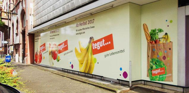 Ankündigung der Eröffnung des Marktes in Frankfurt-Fechenheim